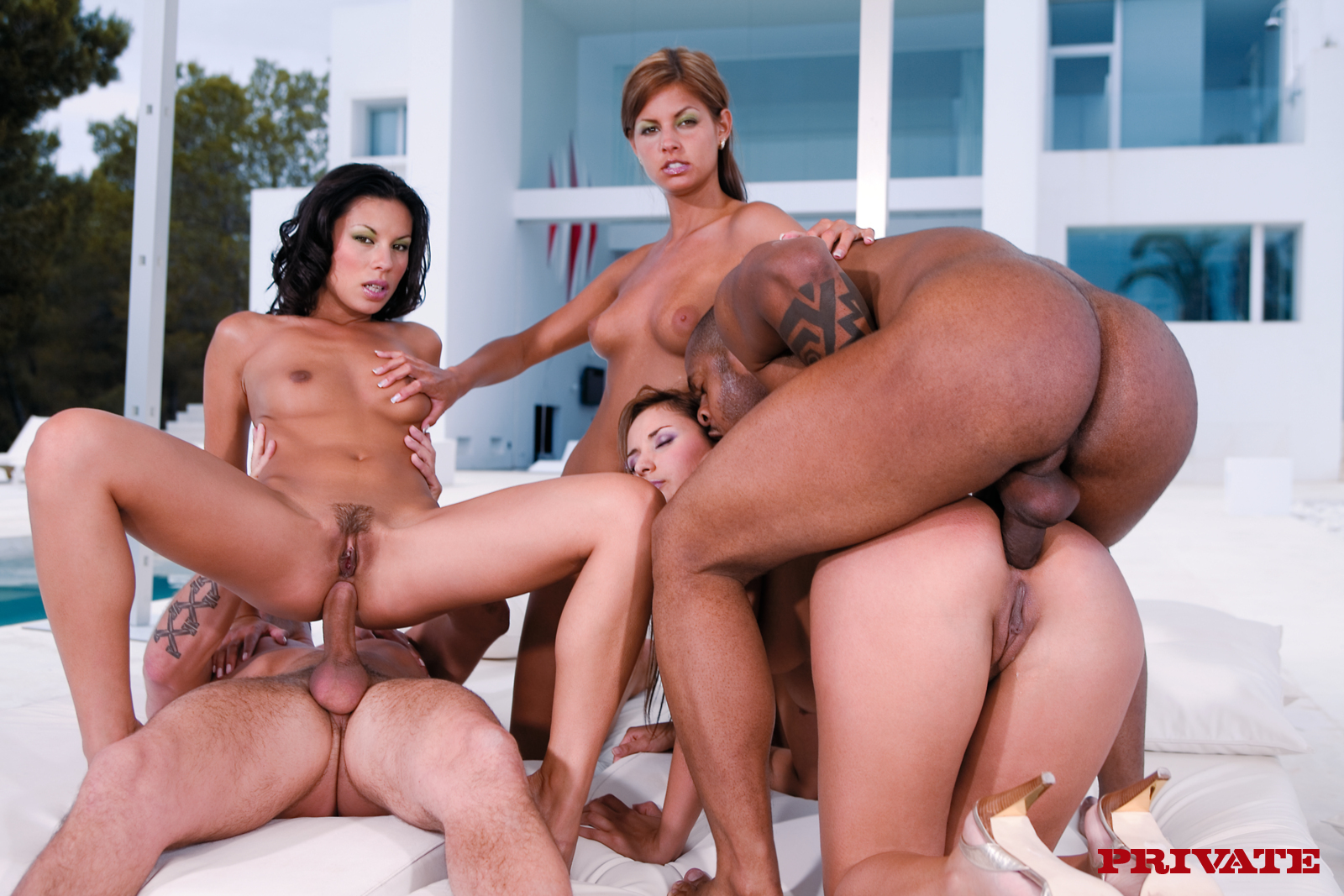 Foursome with refina ice and charlotte de castille 4