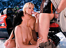 Sharka Blue, Rebeca Linares in Sex 63