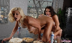 Sweets sex with Puma Swede!