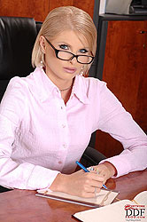 Blonde Wiska masturbating in office