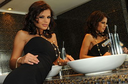 Nice titted brunettes masturbatin in the toilette