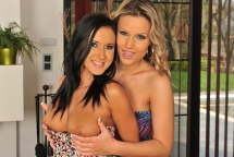 Samantha Jolie and Angelica Kitten in lesbian act