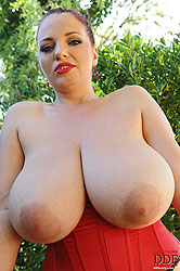 Renaissance with her juicy melons!