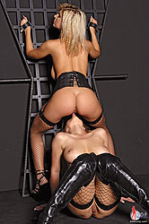 Horny Carol & Nikita´s latex action