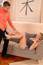 Hot Monica Sweetheart´s foot action