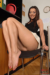 Cindy Hope´s foot play in office