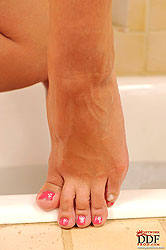 Barefoot babes in the bath tub!