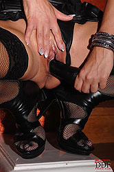 Naughty milf Sheila dp´s both holes