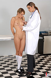 Blue Angel & Peaches in lesbo scene