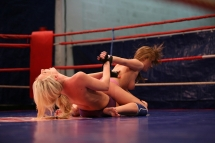 Very naughty lesbian babes fighting in the ring