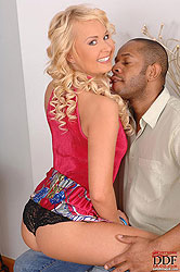 Blonde Amelie is doing hot blowjob
