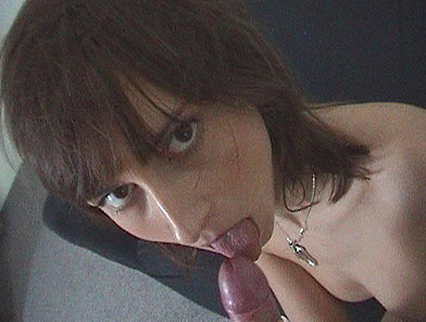 Hot brunette Mona does blowjob with facial