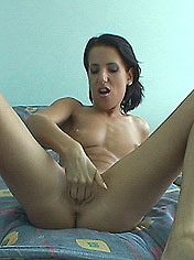 Horny Lilith gets fistin and hot jizz into her mouth