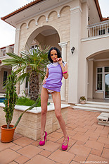 Angellina has fashion model looks, no doubt. She makes herself cum with a dildo and with a magic wand and squirt all over the place. Dec-2014 202