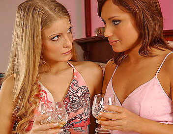 Nice blondie gets lesbian lessons from her aunt