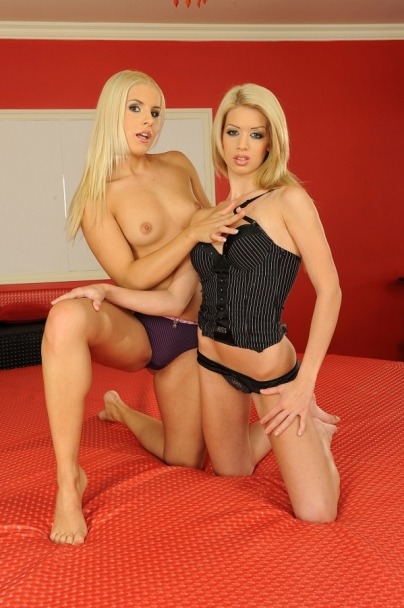 Blonde lesbian angels are dildoing their pussy