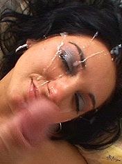 Busty Mara pushing up a speculum and does blowjob