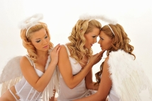 Three lesbian angels is having sex in the heaven