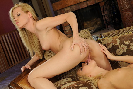 Hot lesbian babes are fingering their tiny pussy
