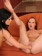 Hot Gitta and Madison Parker in a fisting hardcore