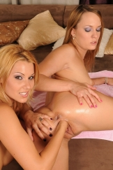 Cindy Hope and Blue Angel fisting their hot pussy
