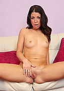 Mia Gold strips off sheer top to fuck herself live with her vibrator!