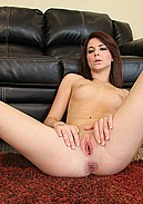 Sexy slut Kiera Winters gets too excited about masturbating live!