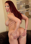 Busty Kelly Divine LIVE and Solo