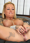Britney Shannon Hot and LIVE Masturbating!