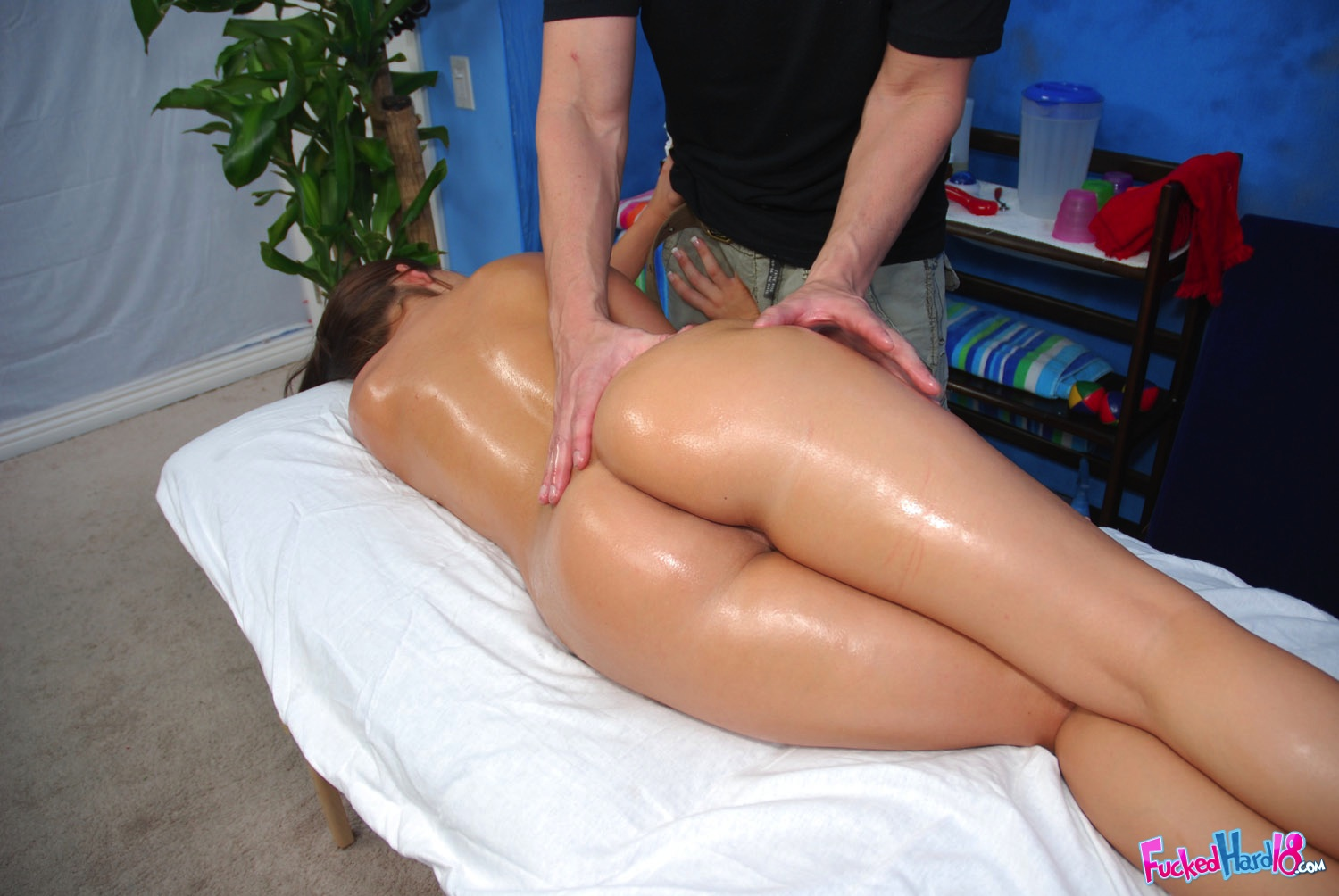 Big ass massage fuck