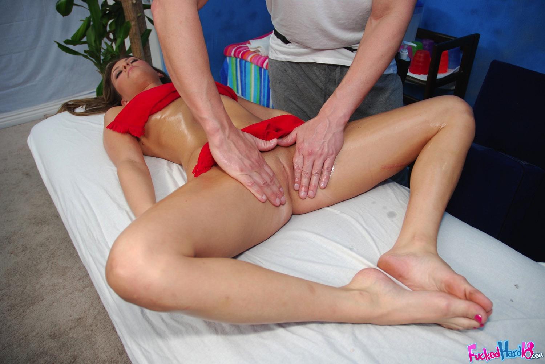 Спасибо забрал!!! массажист довел девушку до оргазма Скажите мне