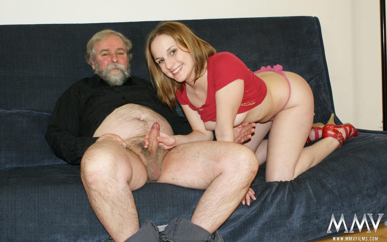 Джед трахнул внучку смотреть онлайн