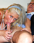 Blonde old whore shags and gets a dick in her bald snatch