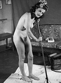 Naughty vintage housewifes showing their bodies at home