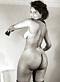 Some sensual vintage babes showing their big curvy asses