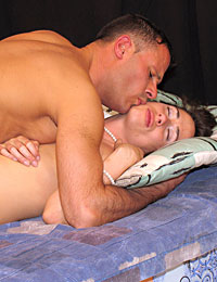A sleepy milf falls in sleep and gets fucked in her pussy