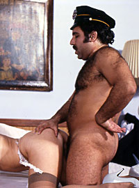 Two retro chicks getting dirty with Mr Ron Jeremy´s cock