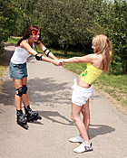 Willing teenies on skates getting very naughty on the road