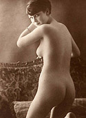 Vintage pictures of perfectly curved and rounded bottoms