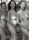 Vintage fourties outdoor hot chicks posing in full nudity