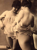 Some real vintage nude babes posing in the twenties boudoir