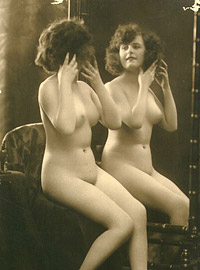 Real horny vintage girls posing in front of small mirror