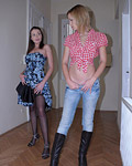 Two horny lesbian hotties kissing eachothers soaked clit