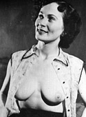 Sexy vintage topless girls enjoy posing in the fourties