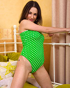 Horny and hot brunette pleasuring her wet teenage snatch