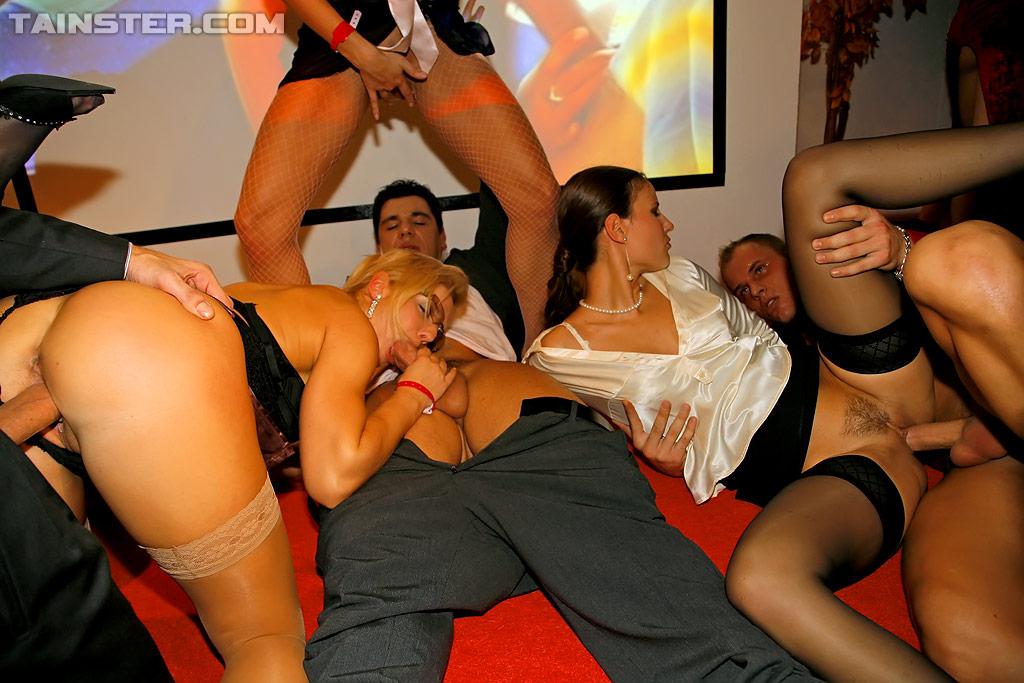 секс вечеринки с замужними дамами воспаленных