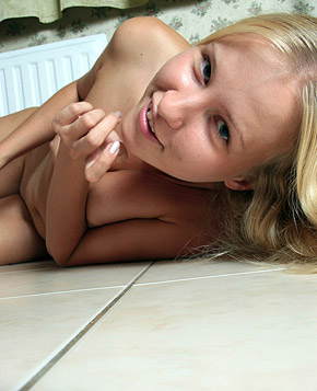 An angelic blonde sweetheart loves playing with herself