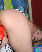 Young teen chick pleasuring her tight and slippery pussy