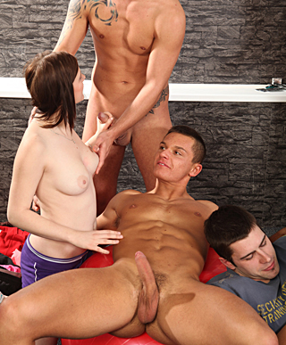Cute bisexual hotshots screwing willing dudes and babes