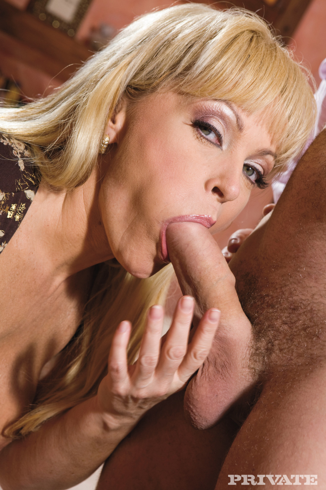 Watch Hot Milf Blowjob